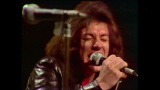 Geordie feat. Brian Johnson: She's A Teaser (Live TV Performance, 1974)