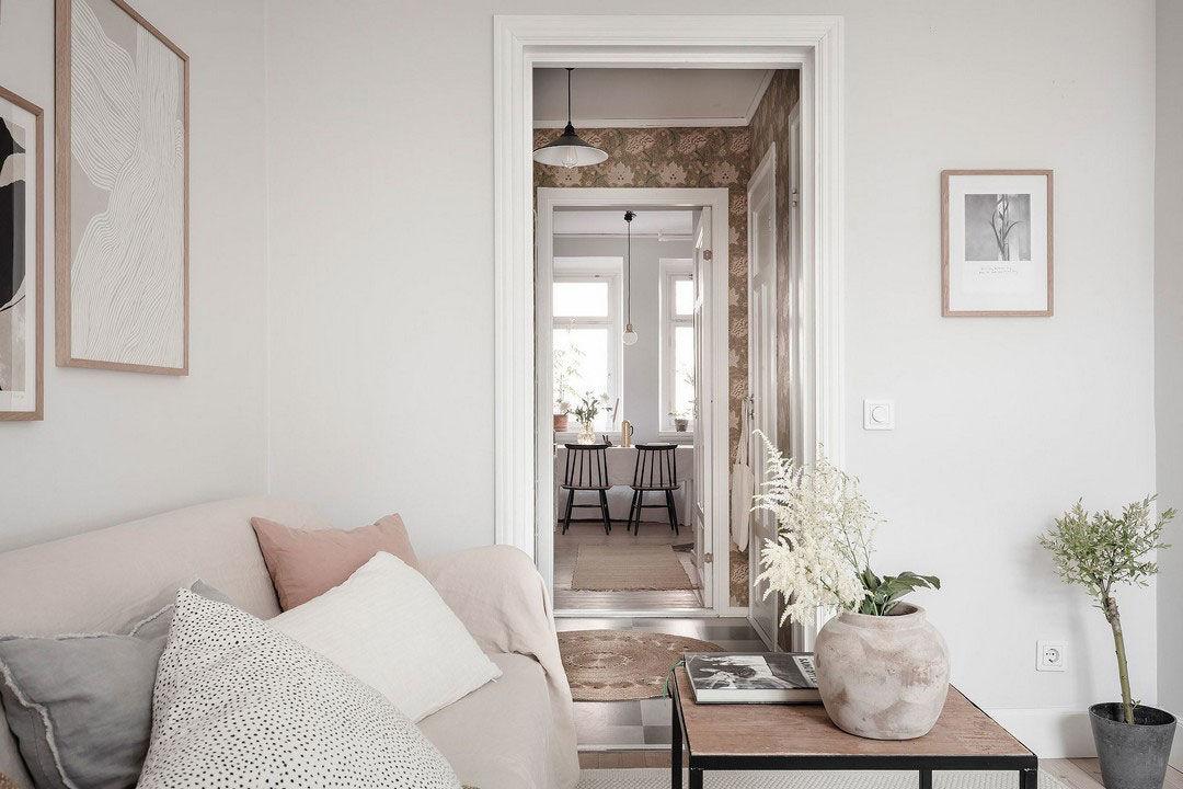 Повеяло осенью: спокойная и уютная квартира с тёплыми акцентами в Швеции (32 кв.