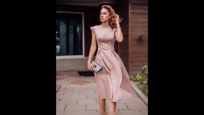 Лаконичное атласное платье