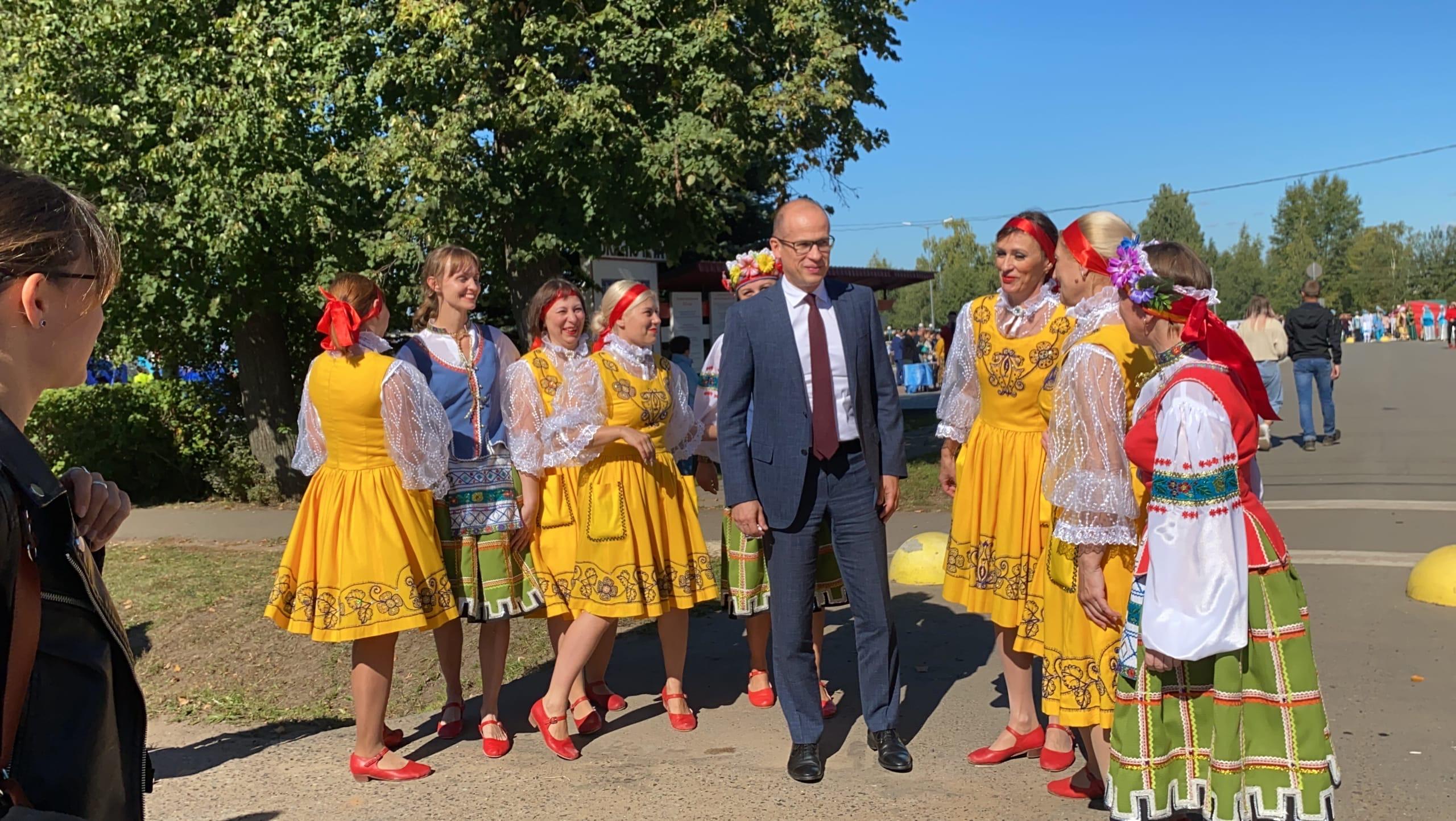 В Можгу на празднование 185-летия города прибыл Глава Удмуртской Республики Александр Бречалов.