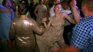 """Девченки зажигают в танцевальном батле на свадьбе """"Cadillac"""" Morgenshtern  (фрагмент)"""