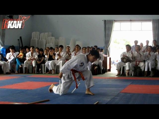 Côn nhị khúc biểu diễn khai mạc giải Karatedo huyện Nhà Bè