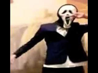 шок!!! Анонимус в маске крика вернулся и танцует рэп