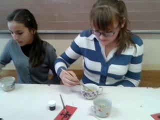 Японцы отдыхают)мастер класс по сьеданию перловки палочкамиугар)) МОХРО