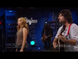 "Pete Yorn and Scarlett Johansson performing ""I Don't Know What To Do"""