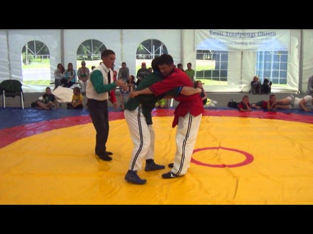 Показательные броски и начисление балов турнир по борьбе на поясах Корэш