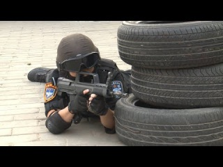 Chinese police hold anti-terror drill