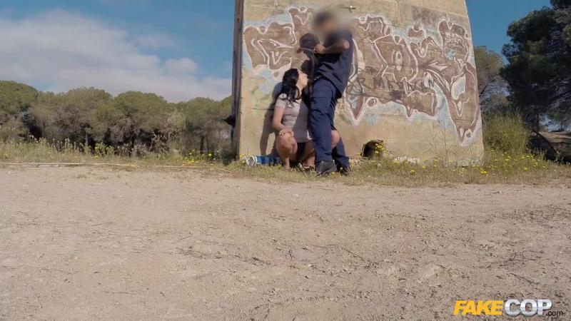 Sophie Garcia In British Tourist Sucks Cops Cock Tnaflix Porn Pics