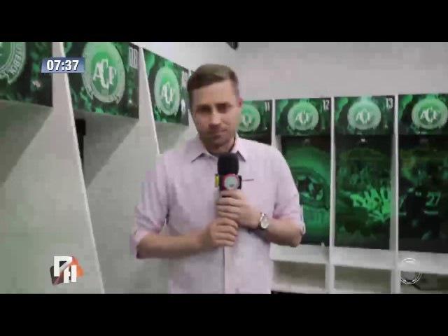 Torcida faz homenagem à Chapecoense na Arena Condá