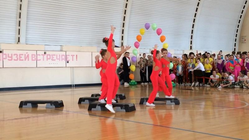 Танец команды Фоксис