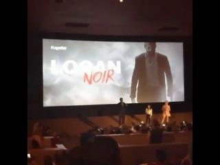 Dafne Keen and Hugh Jackman in the premiere of Logan Noir (2)