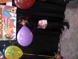 AVN 2011 - Baloon blowing fetish