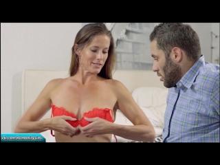 Мамочка обнаружила стояк у сына и решила обучить его сексу   Sofie Marie incest mom son incezt milf инцест мама сын табу милф