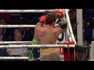 Боксер с 66 боями встал после тяжелого нокдауна и схлопотал пулю в подбородок. Видео нокаута