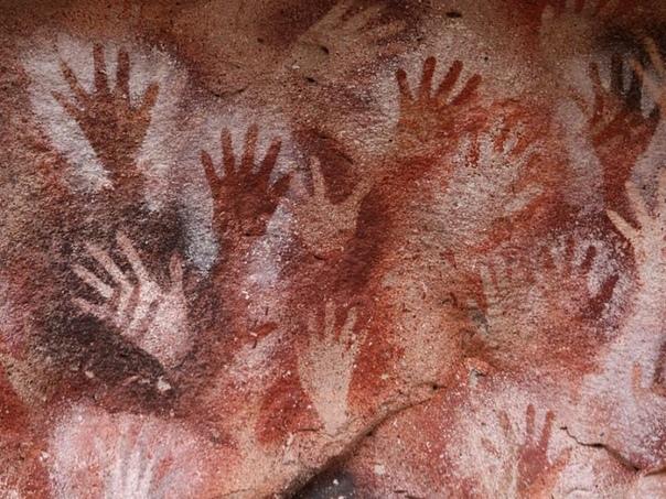 Трафаретные отпечатки рук.