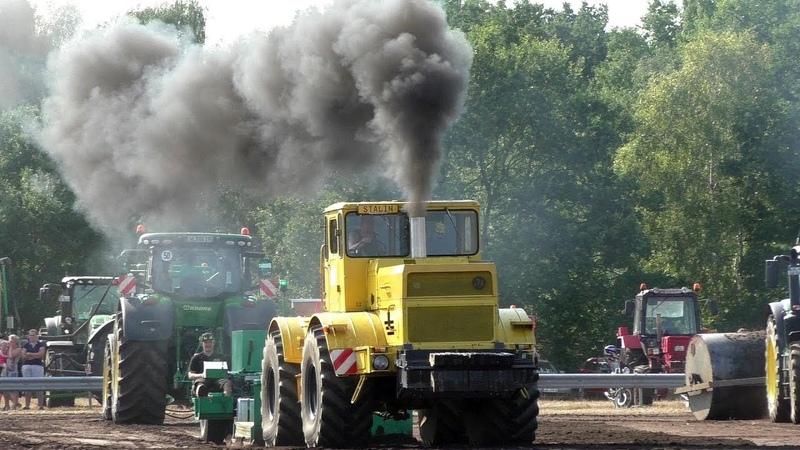 Советский трактор K-700 КИРОВЕЦ против всех | Soviet tractor K-700 KIROVETS against all