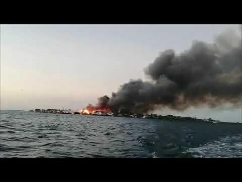 Honduras Incendio en Guanaja Islas de la Bahía Videos de Naturaleza