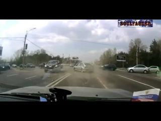 Подборка аварий на дорогах за Апрель / Май 2013 [Soulfacker][2]