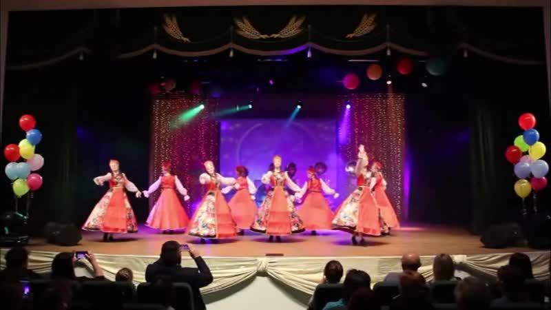Образцовый детский хореографический ансамбль Улыбка Жостовский букет