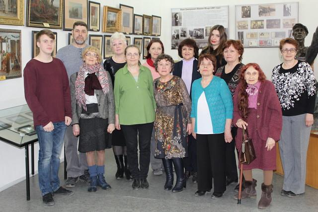 Надежда Оларь на выставке музыкальных инструментов, 2019 г.