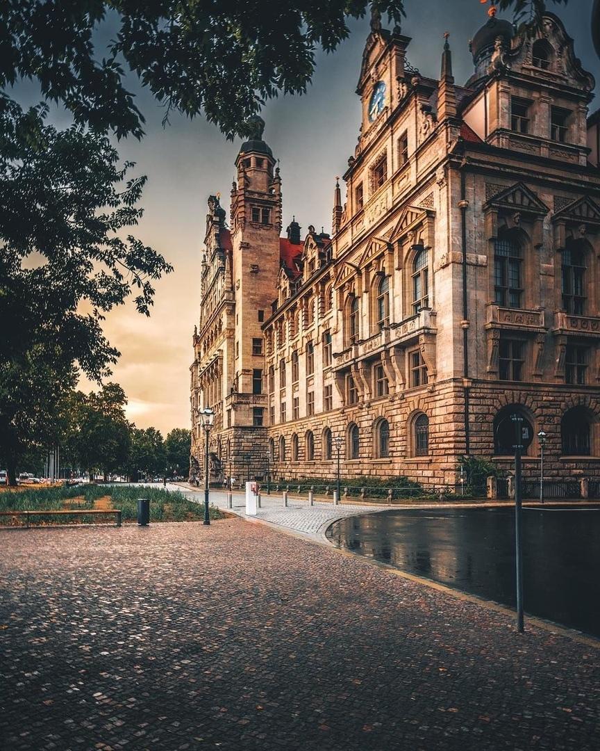 Архитектура Германии и вечернее солнце
