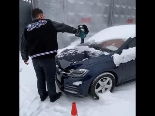 Воздуходувка для быстрой чистки авто от снега