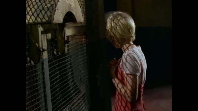 Монстр заманивает Феликса в ловушку Отрывок из сериала Боишься ли ты темноты