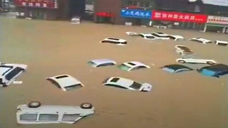 MAJOR Floods in Zhengzhou, China! Subway Flooded! - Jul. 20, 2021 郑州水灾