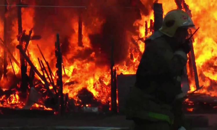 Под Таганрогом в Красном Десанте произошел крупный пожар