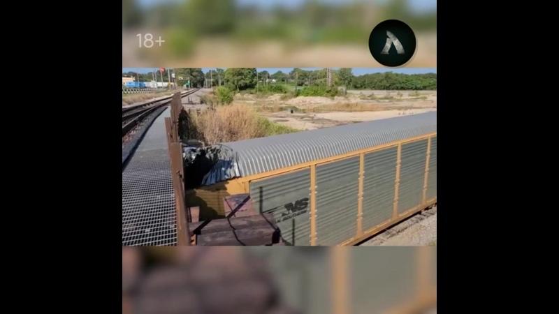 Поезд не прошёл под мостом в США