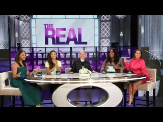 The Real Hosts Join Ellen for a Round of Hot Topics