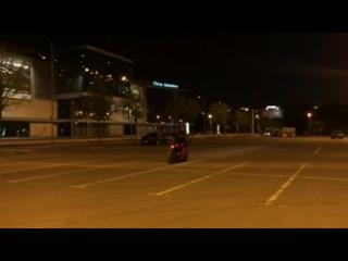 девушка на мотоцикле. первые трюки biker girl #мототаня