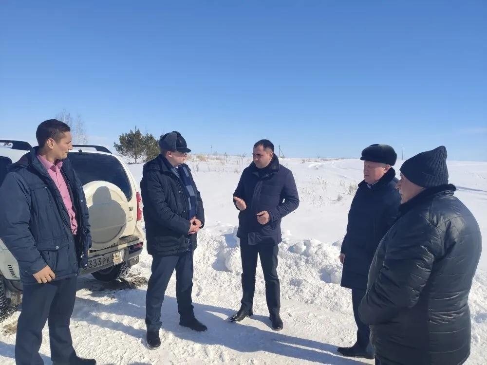 Обсуждаются планы предстоящего ремонта региональных и межмуниципальных дорог на территории Петровского района
