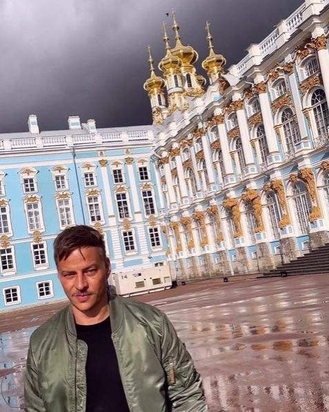 Актер из «Игры Престолов» прилетел в Санкт-Петербу...