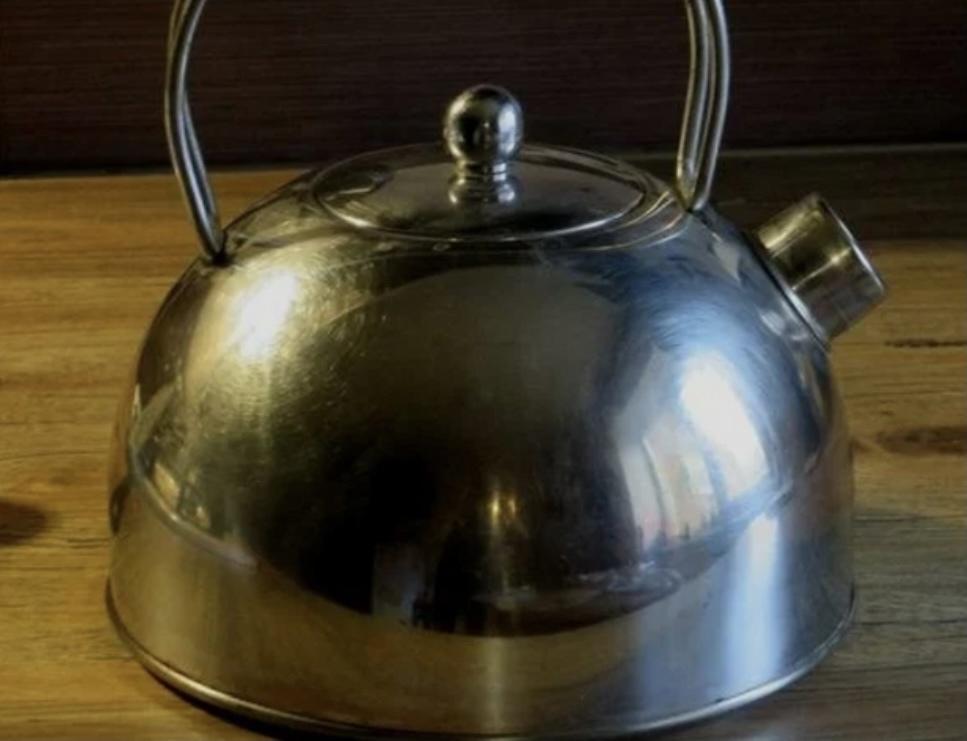 """""""Долой грязь и жир"""" - самый простой способ заставить """"блестеть"""" всю посуду из нержавейки"""