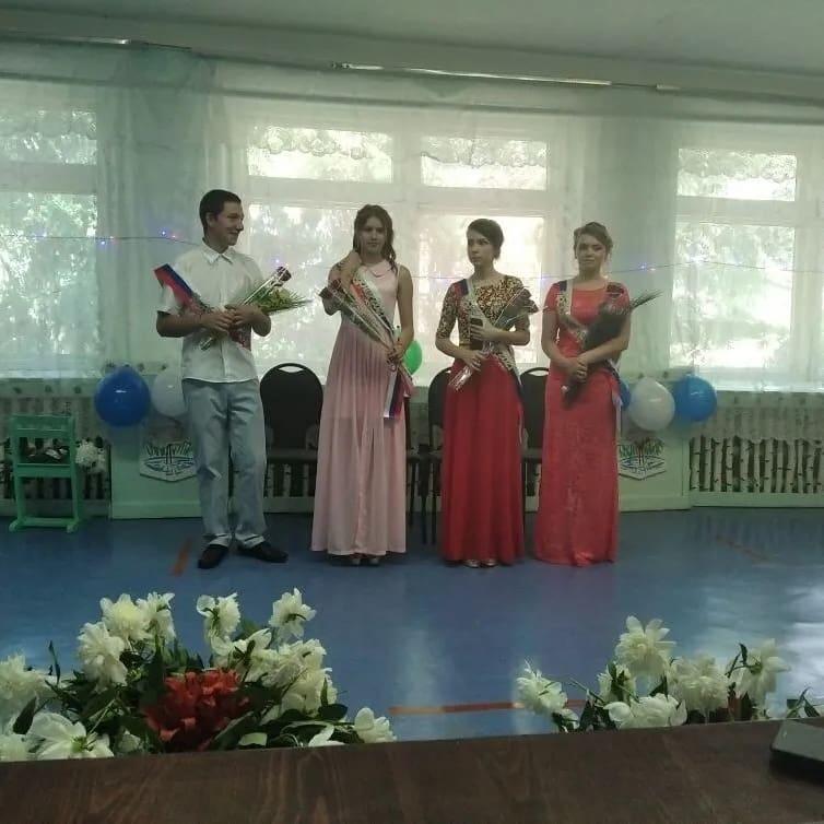 В школах Петровска и Петровского района продолжаются выпускные торжества девятиклассников