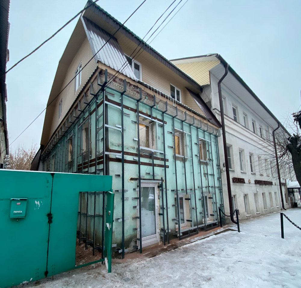 В Кимрах на объекте культурного наследия монтируют черный новодел