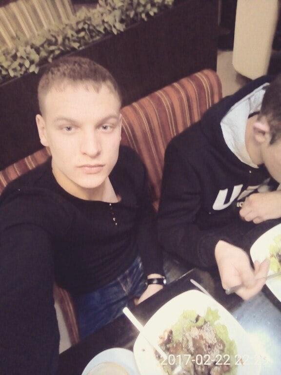 Сергей, 21, Krasnokamensk