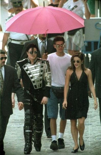 В 1994 Майкл предоставил Сейфчаку подработку. Вот так Джеймс выглядел в свои 16 лет.