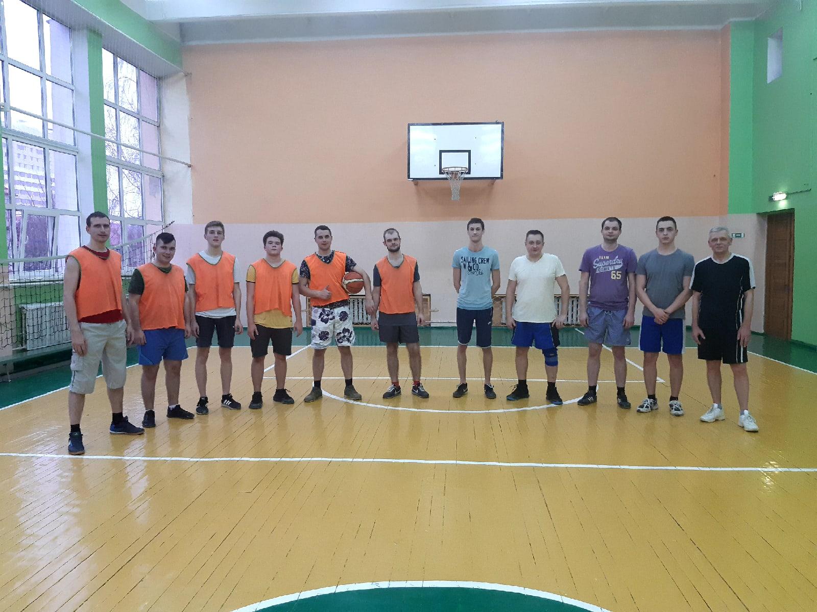 Рождественский товарищеский турнир по баскетболу среди команд преподавателей