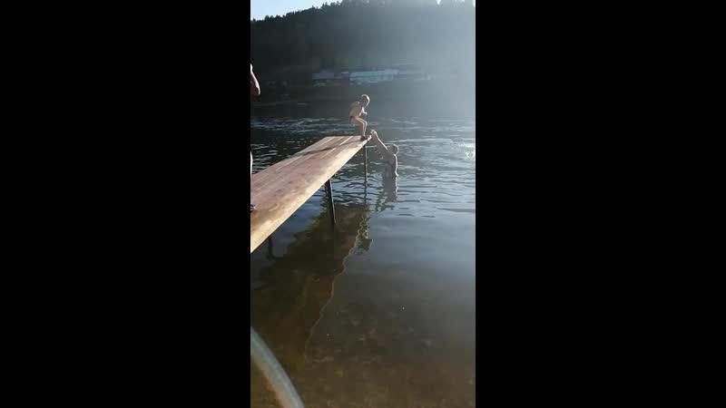 Июль 2020 Саргая Первые Мишины прыжки в воду