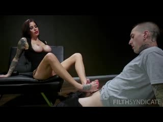 Gia Dimarco Foot Slave
