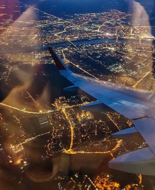 фото с самолета ночной беларусь время как старушка