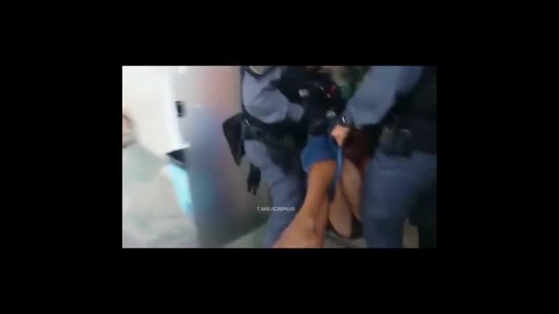 Бразильские копы настолько суровы, что доставляют задержанных сразу в реанимацию