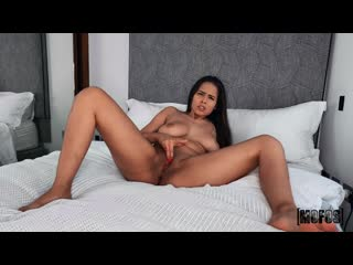 Iris Montera - Alone, Horny and Wet [Solo, Big Tits, Masturbation, Dildo]