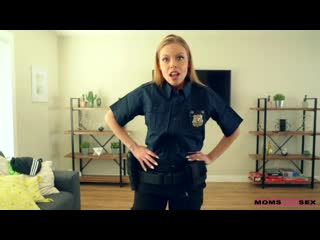 [MomsTeachSex] Britney Amber - My Step Mom Is A Cop