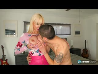 Victoria Lobov - Fucks Her Sons Best Friend [All Sex, Hardcore, Blowjob, MILF, Big Tits]