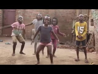 Freestyle #ROSALINACHALLENGE By Masaka Kids Uganda (Rate their dance out of 10)