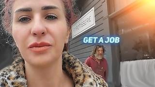 Homeless Man Tells Girl Streamer To Get a Job