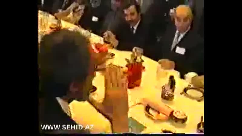 Əbülfəz Elçibəy - dindar haqqinda